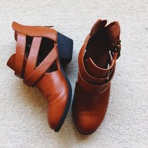 Shoes - slightly used ankle boots